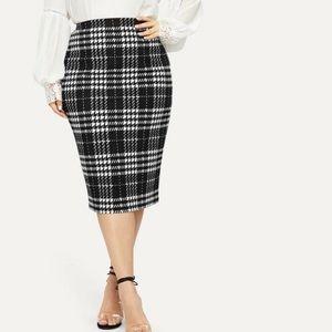 Plus Size Midi Plaid Bodycon Skirt